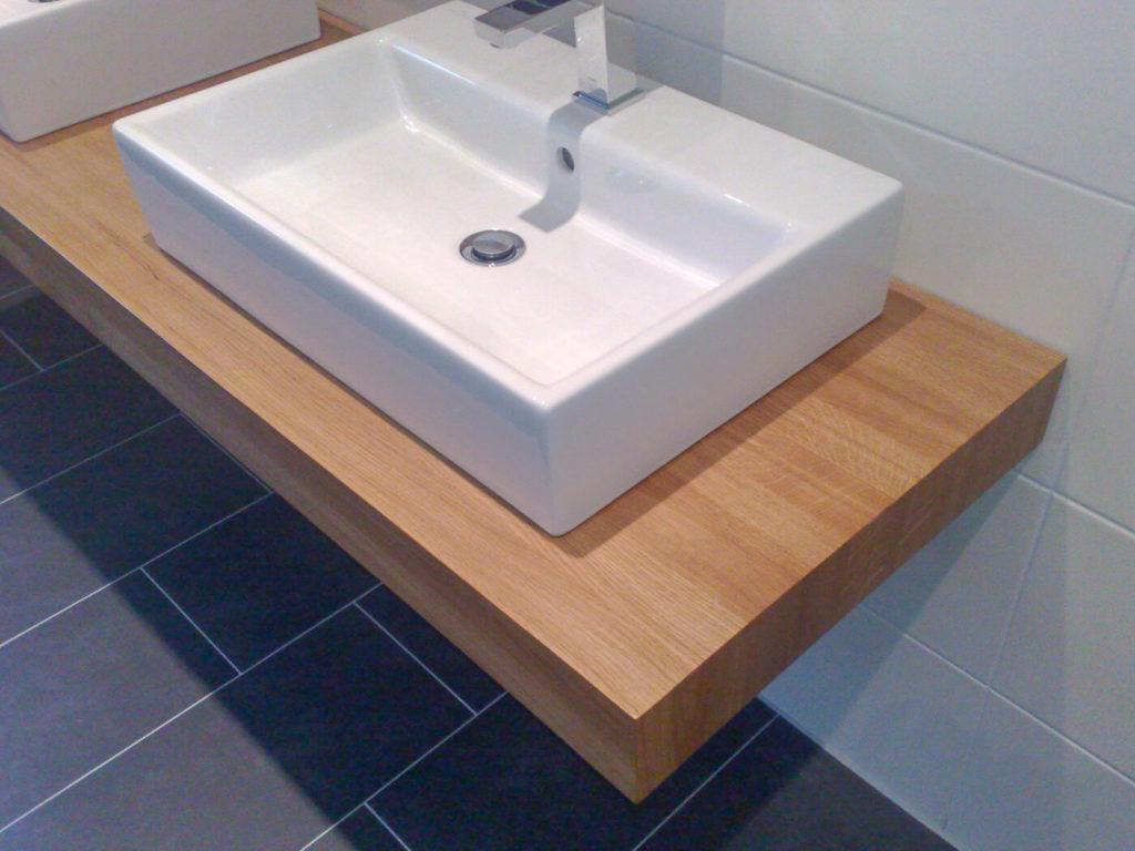 Badmöbel aus Holz Holzbadmöbel Badezimmermöbel Badmöbel Holzmöbel Möbel aus Holz Möbel nach Maß Massivholzmöbel Massivholz Vollholzmöbel