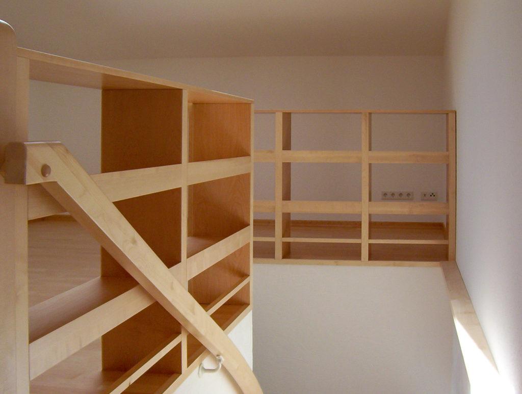 Treppe Holztreppe Treppe aus Holz Innentreppe Innentreppe aus Holz Treppenbau Treppenstufen Holz Treppe Holz Holzgeländer