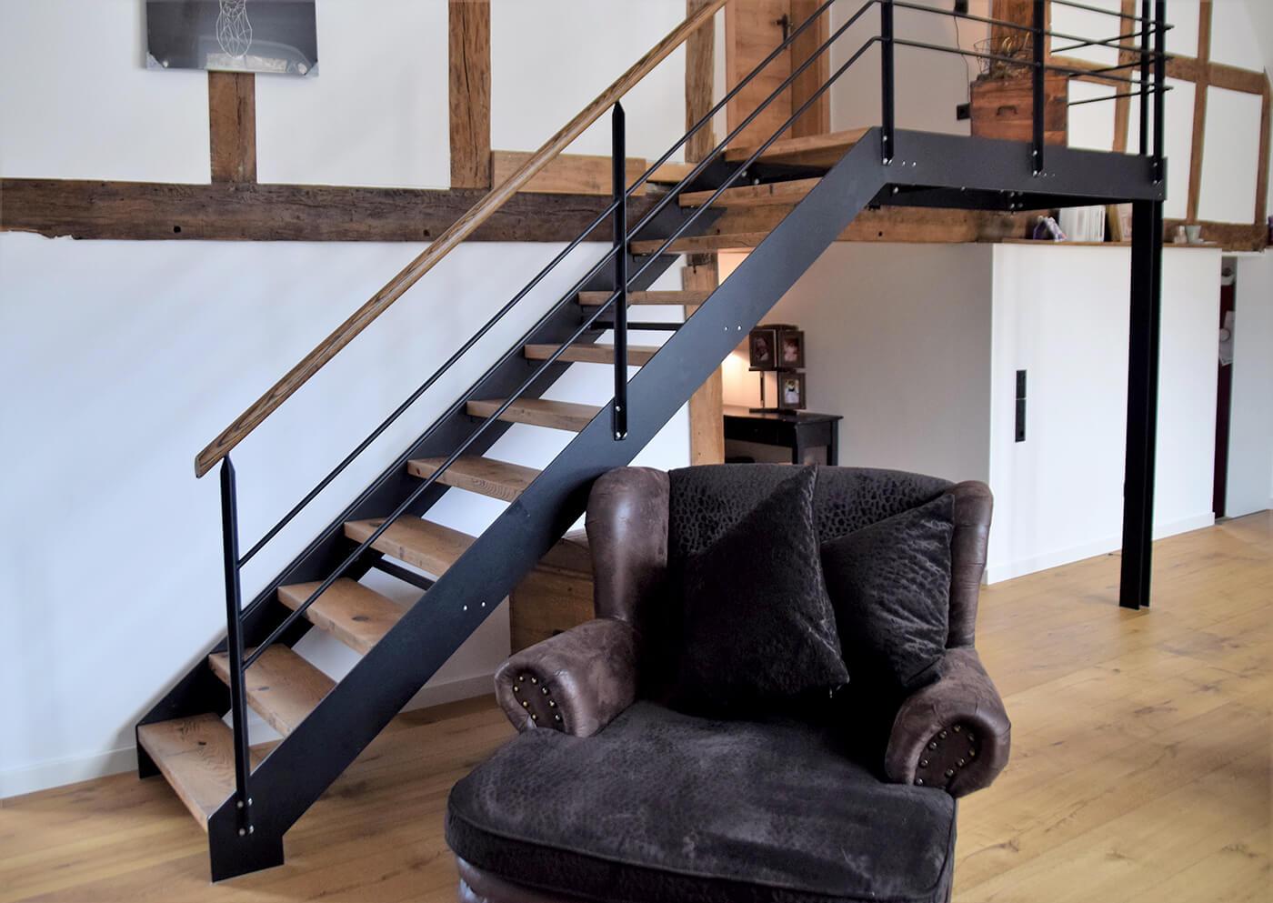 Eichentreppe Treppe Holztreppe Treppe aus Holz Innentreppe Innentreppe aus Holz Treppenbau Treppenstufen Holz Treppe Holz