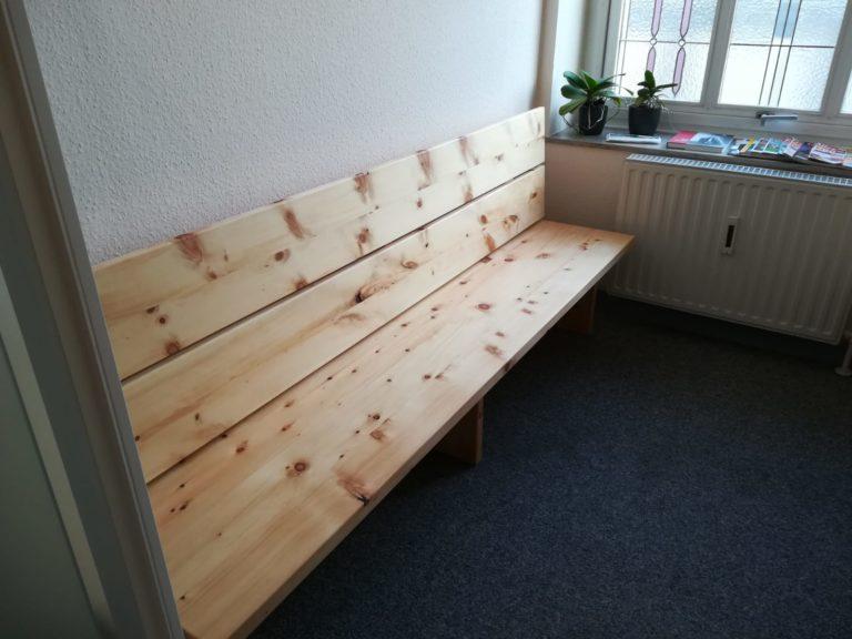 Sitzbank aus Zirbe in Werl